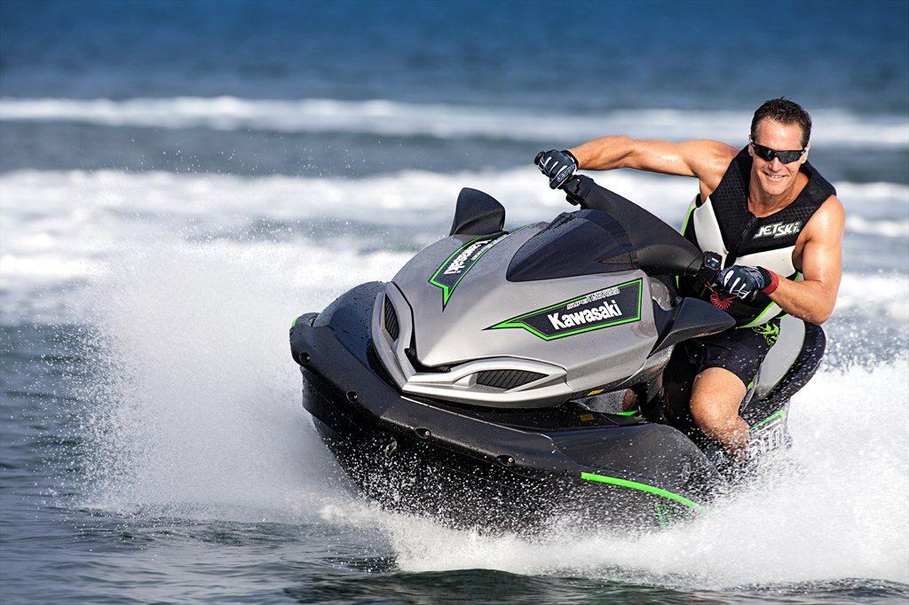 2015 Kawasaki_Jet Ski_Ultra 310X_action_2.med